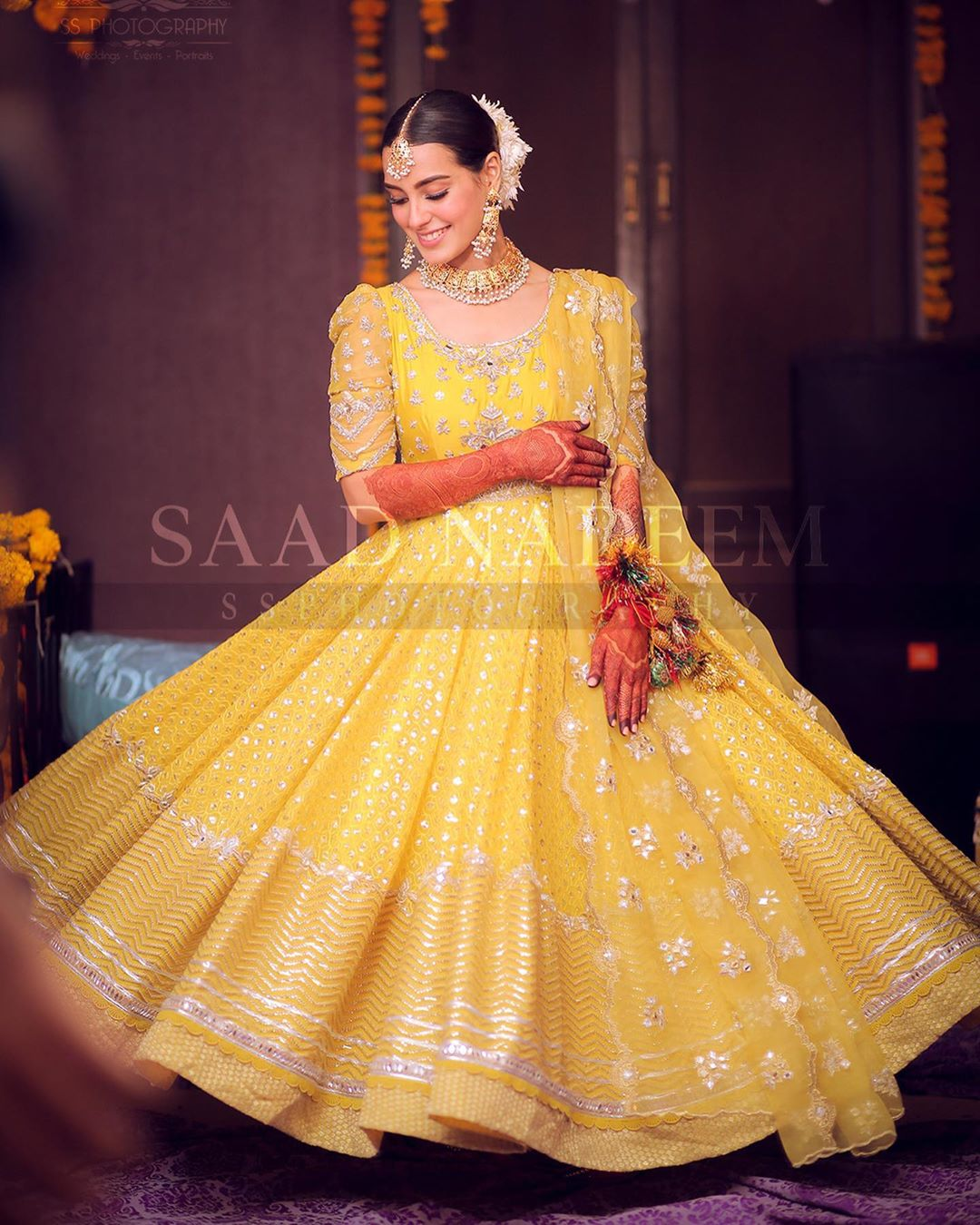iqra aziz in yellow mehndi dress