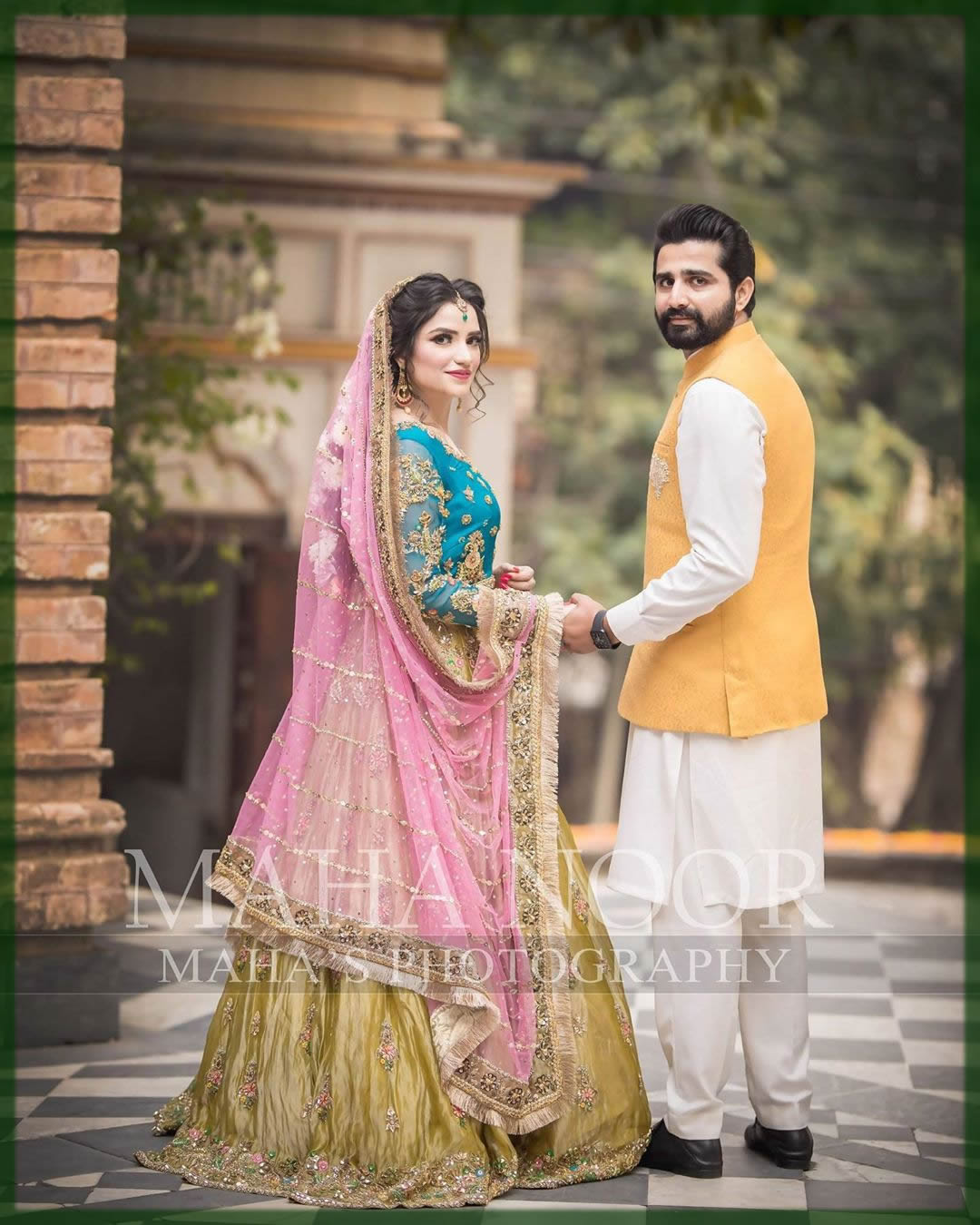 bride groom mehndi dress combination