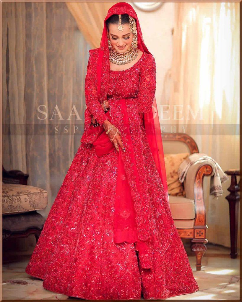 iqra aziz wearing nomi ansari dress