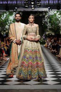 nomi ansari bride groom mehndi dresses