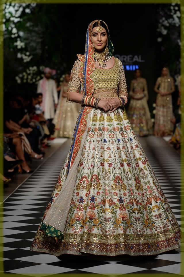 nomi ansari bridal mehndi dresses