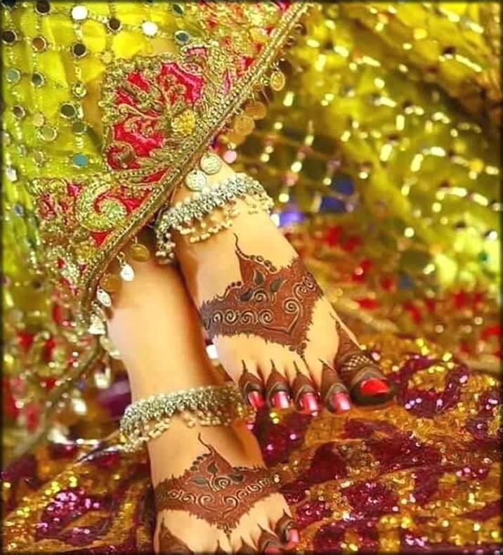 Beautiful Feet Mehndi Design