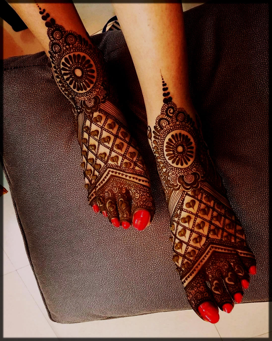 elegent heart henna style for 2020 brides