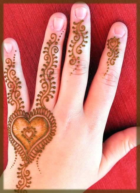 simple an deasy henna tatto for kids