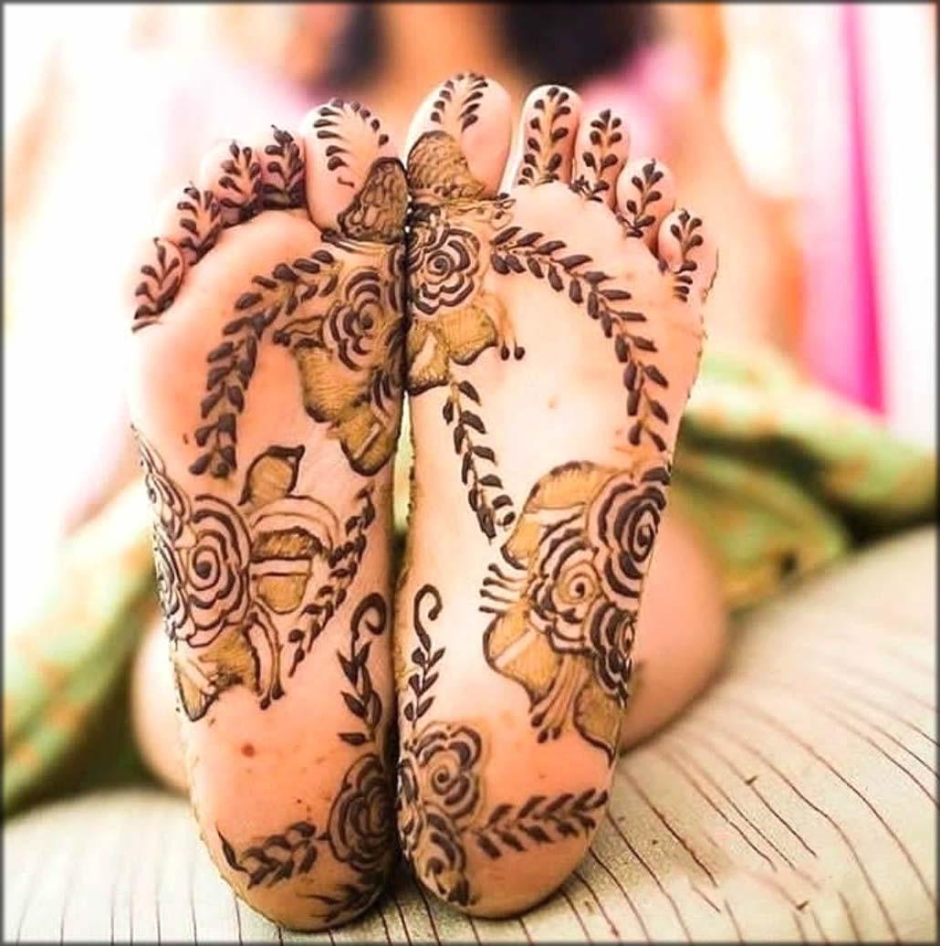 Floral And Mofits Hina Art