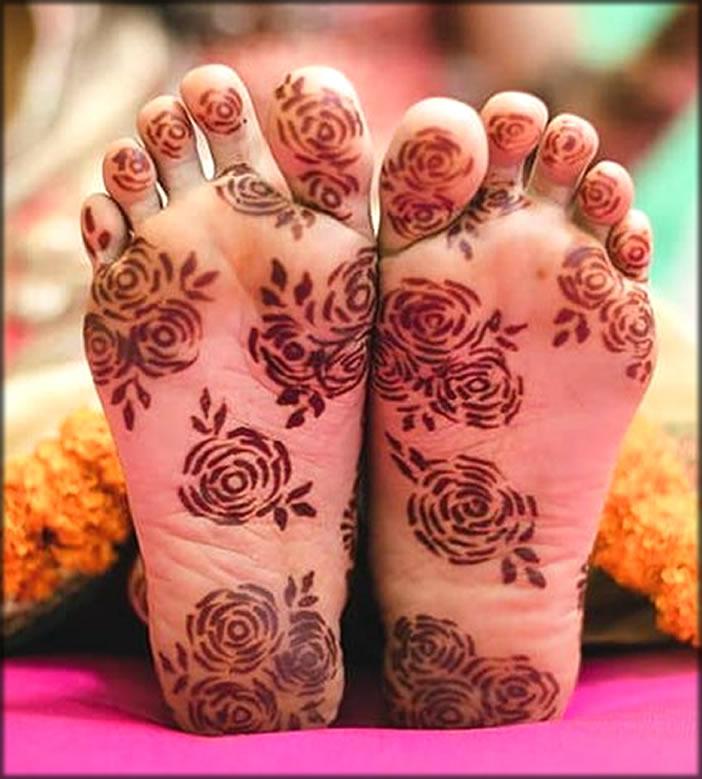 Flower Style Under Feet Mehndi