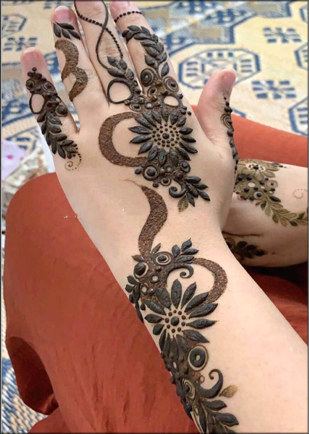 Full Filed Pakistani Mehndi Designs