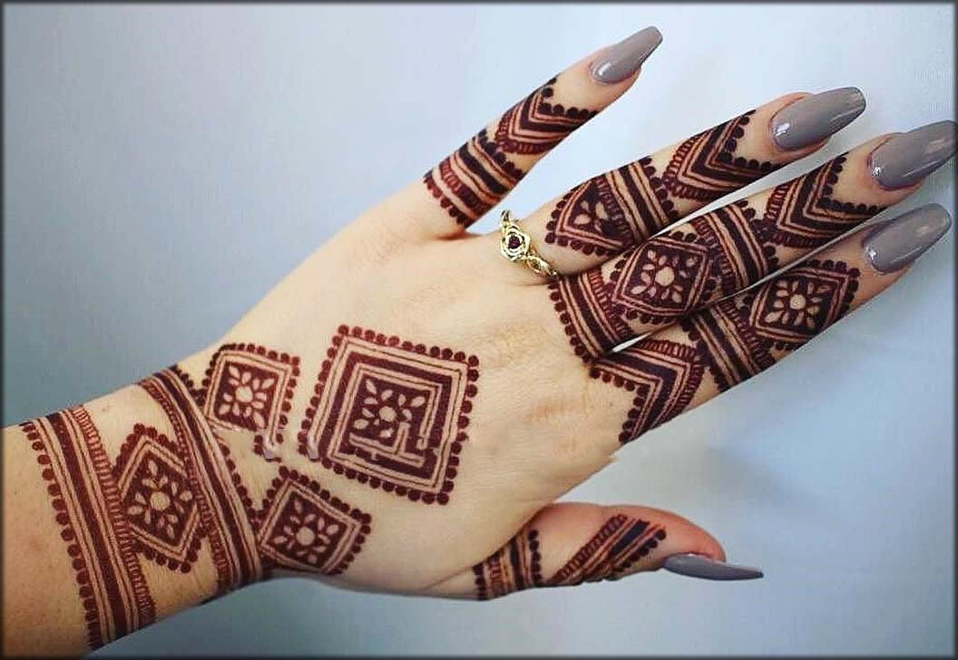 Latest And Trendy Arabic Mehndi Designs