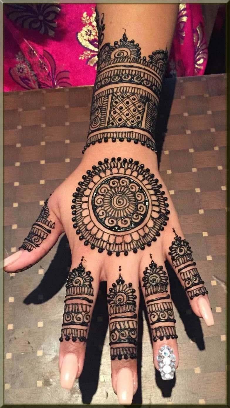 round tikki henna patterns for bride
