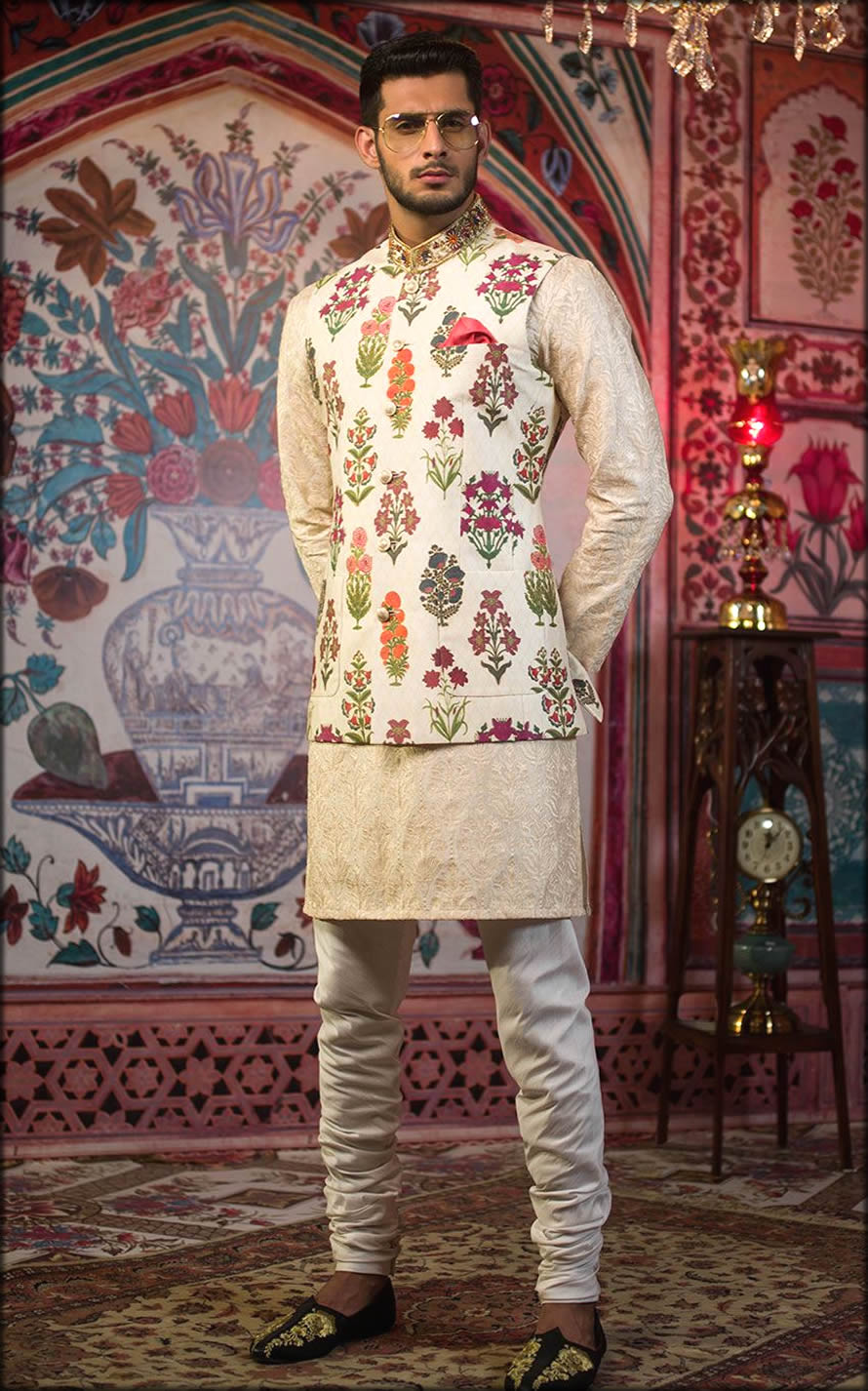 Stylish Pakistani Engagement Dresses For Men