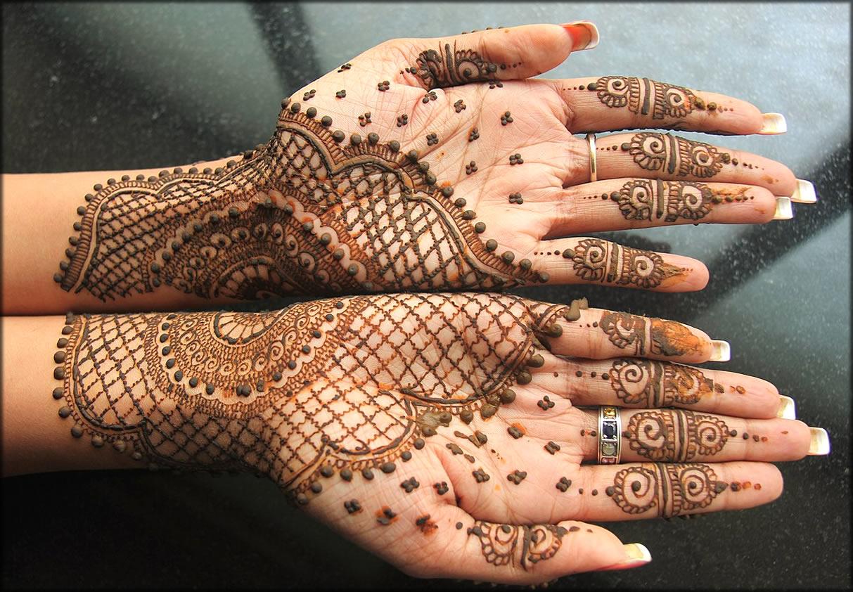 Twins Mehndi Front Hand