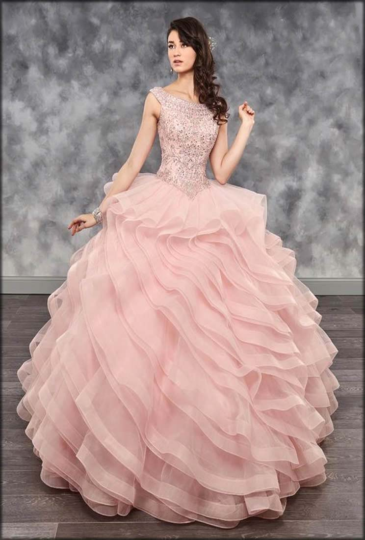 Wavy Layers Gown For Bridal Shower Event