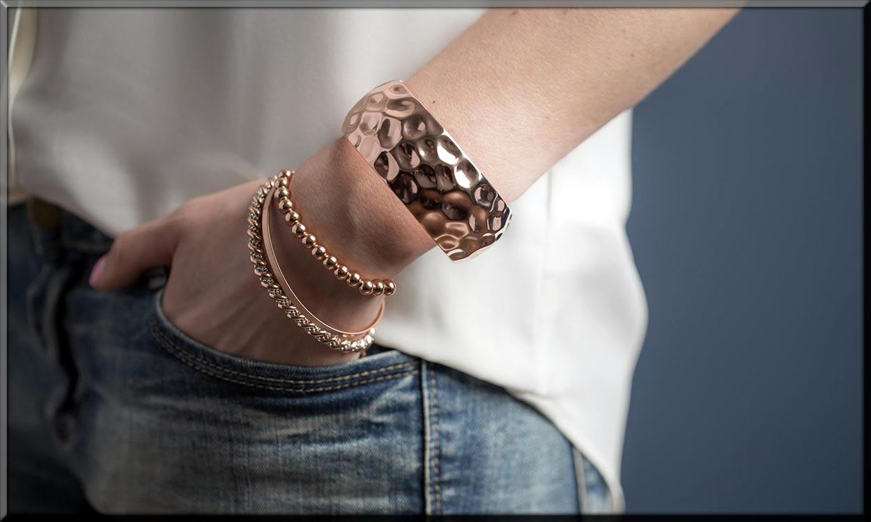 Wearing-Bangle-Bracelets