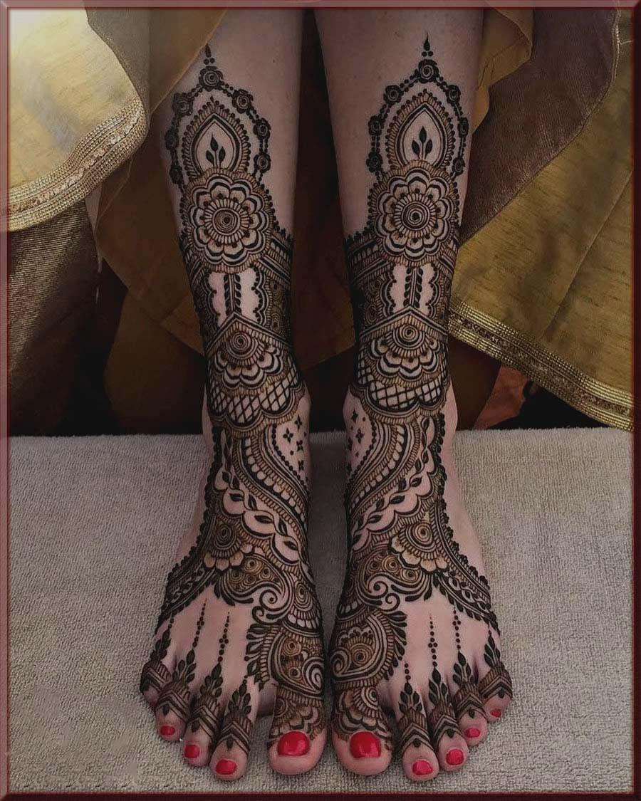 massive feet mehndi for bride