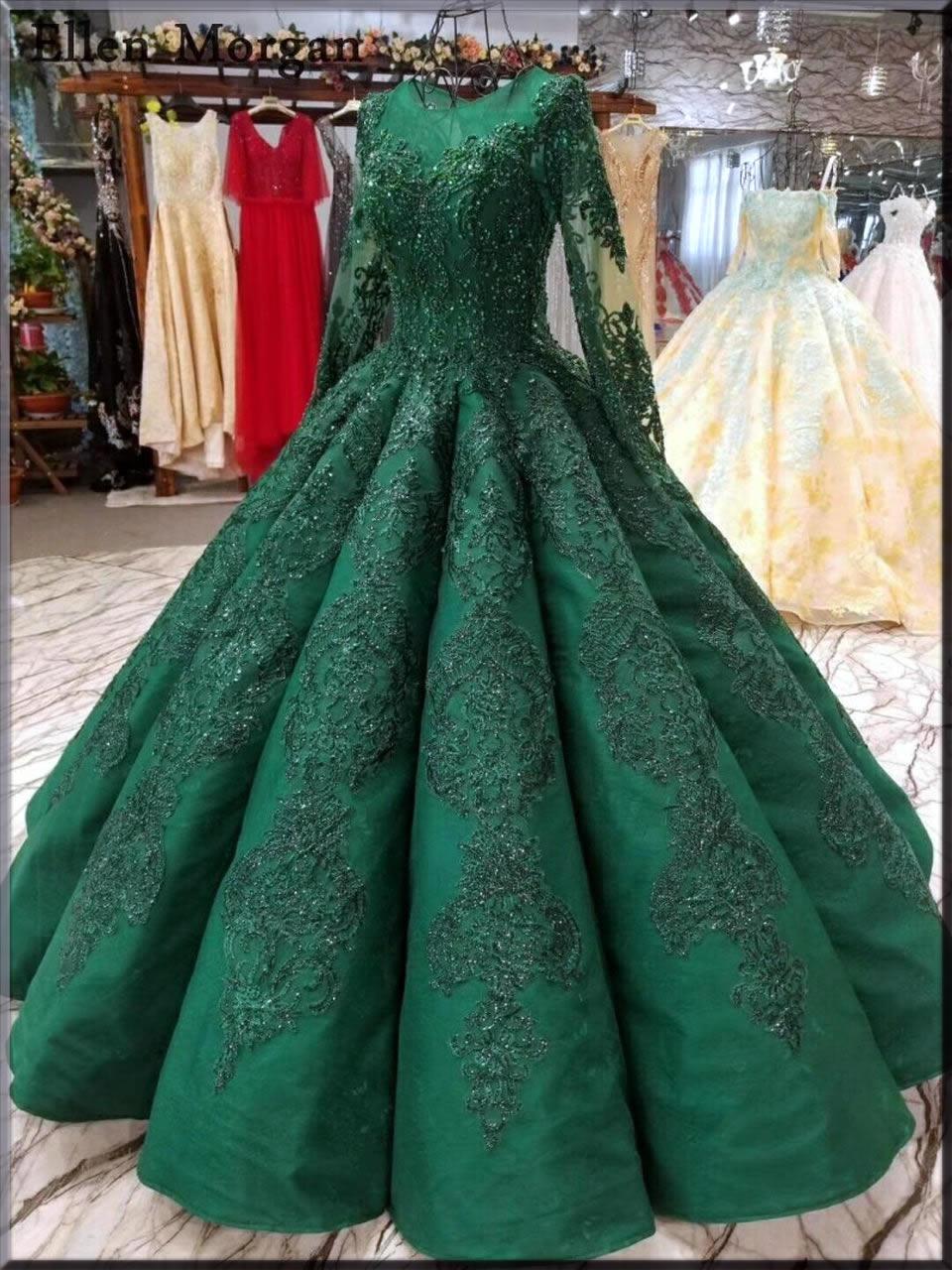 green arabian dress for Valentine's Day