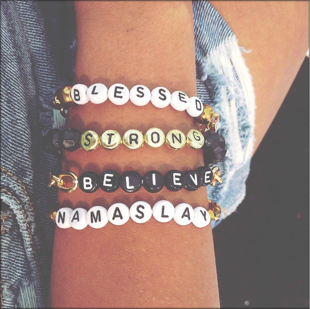 latest glass beads bracelet