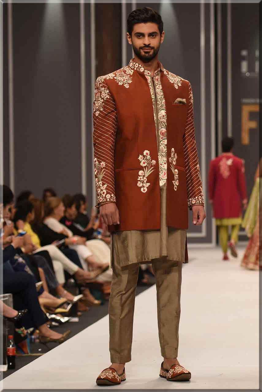 jacket stylish sherwani in maroon colour