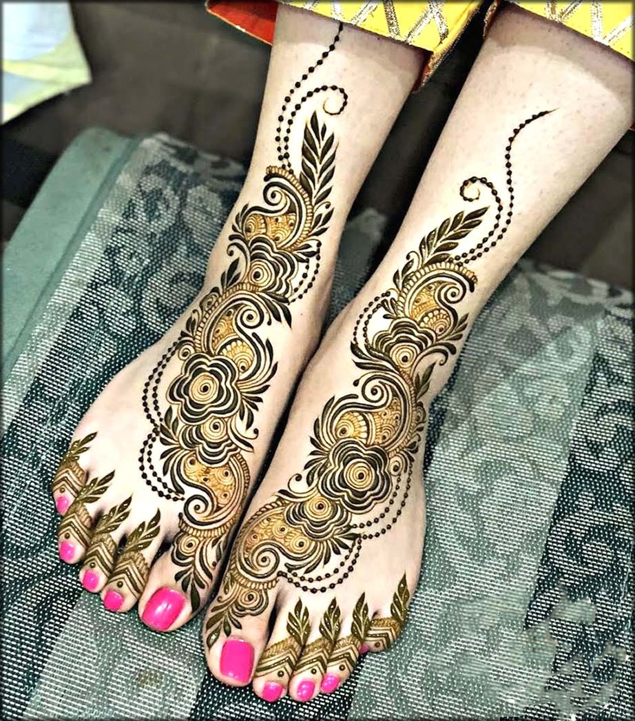 pakistani Mehndi Designs For Feet