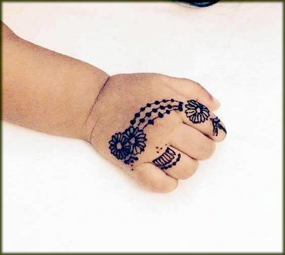 beautiful fnger mehndi designs for kids