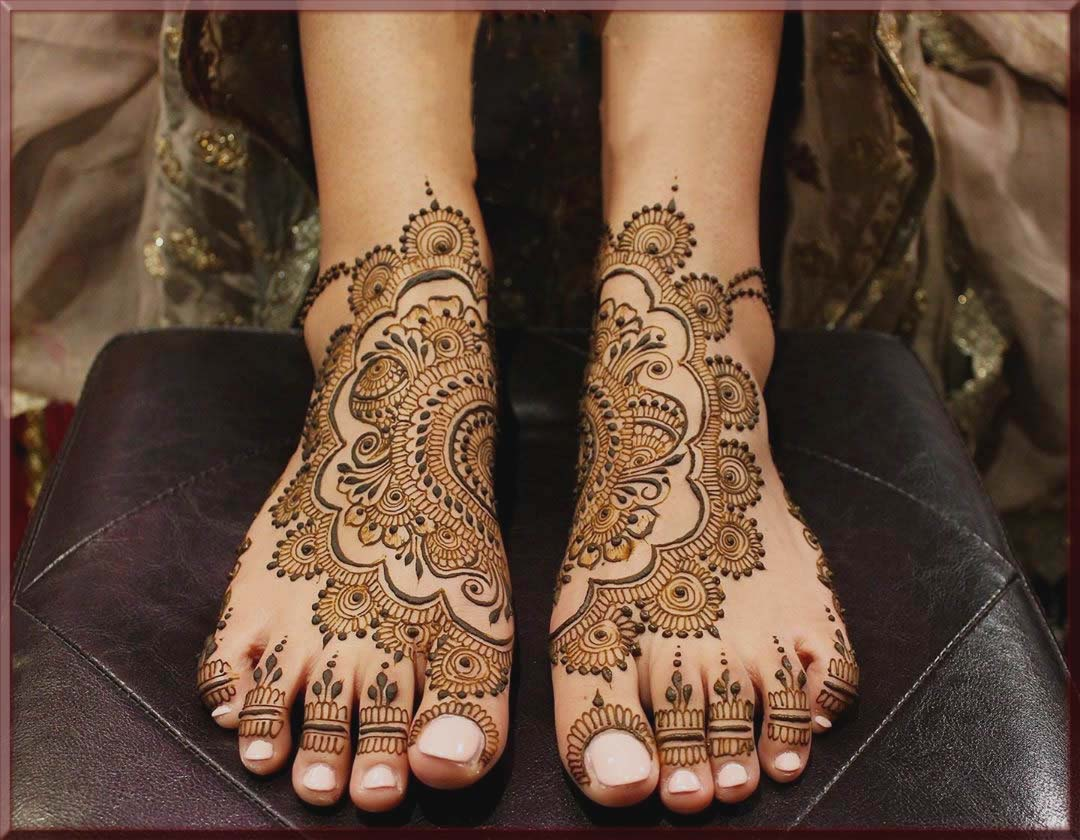 trending bridal henna design for feet