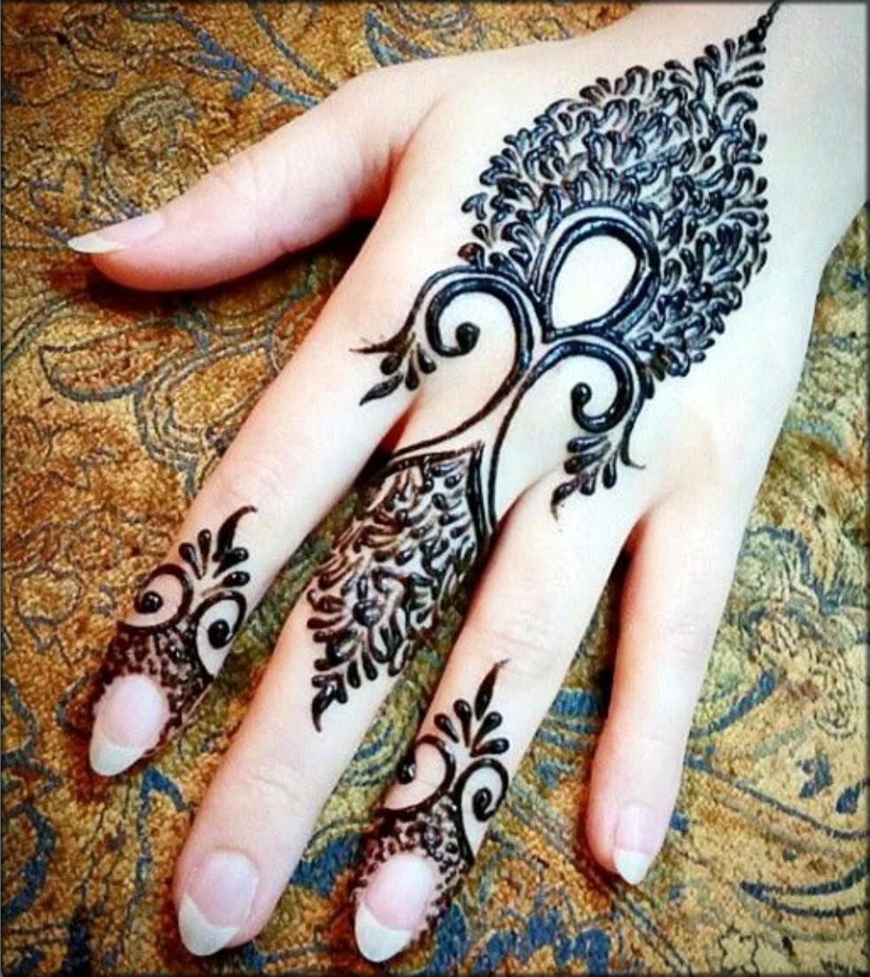 Beautiful Easy Back Hand Design