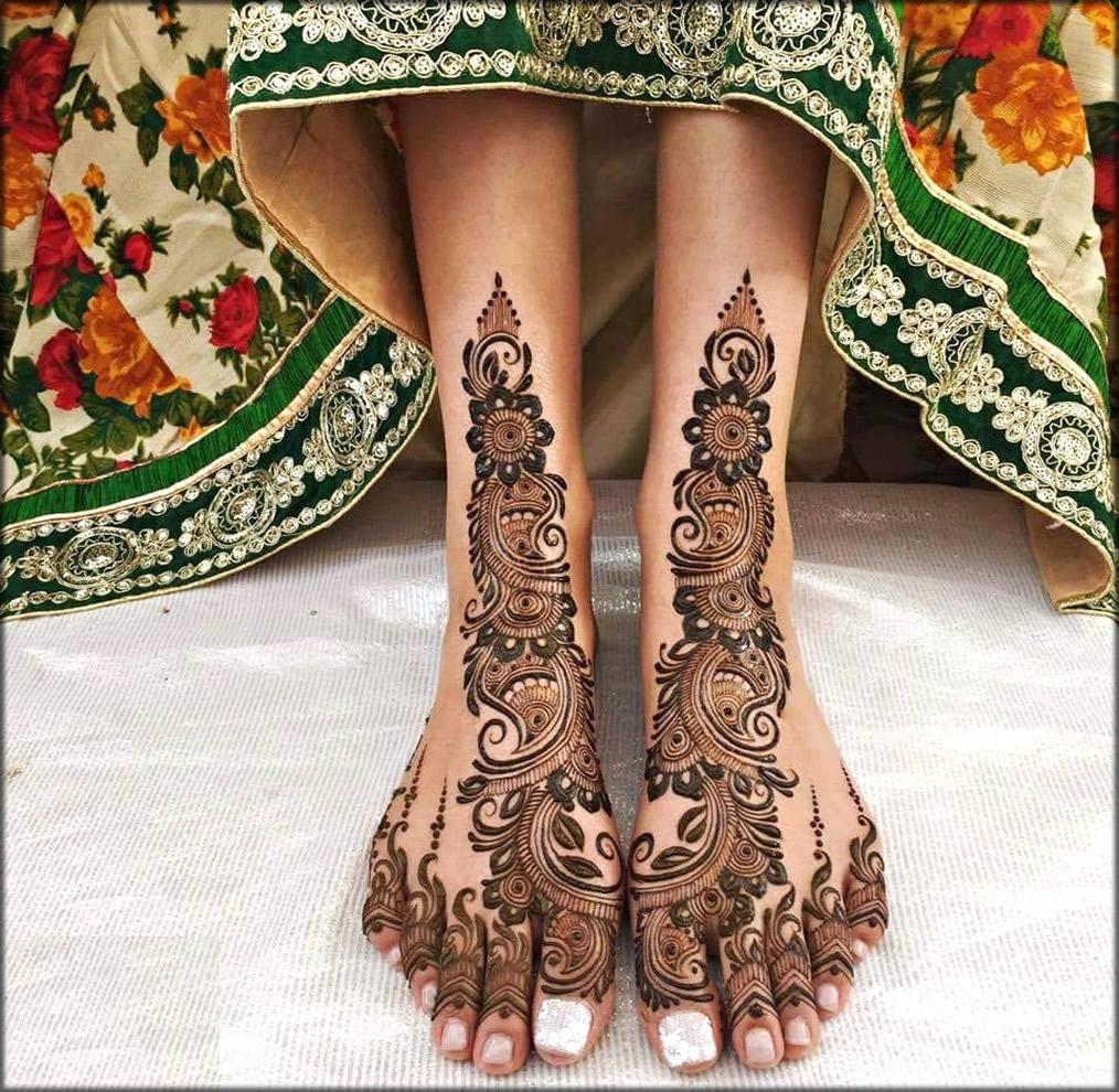 Feet Pakistani mehndi designs