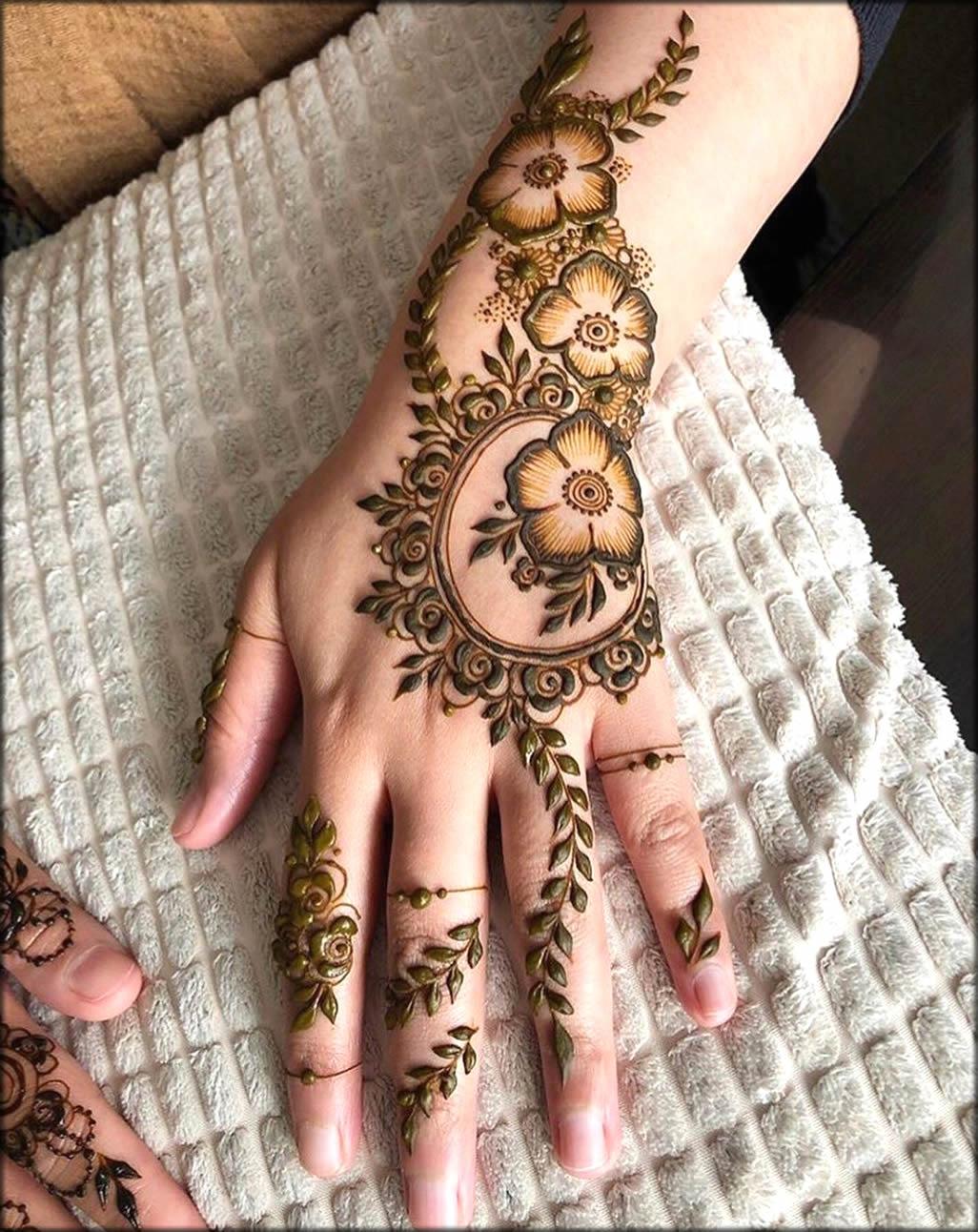 Motifs And Flower Easy Mehndi Design