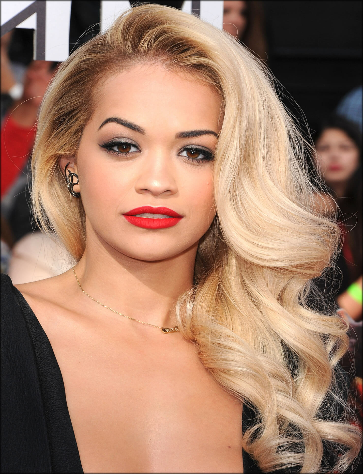 Side Swept Waves With Glamour look