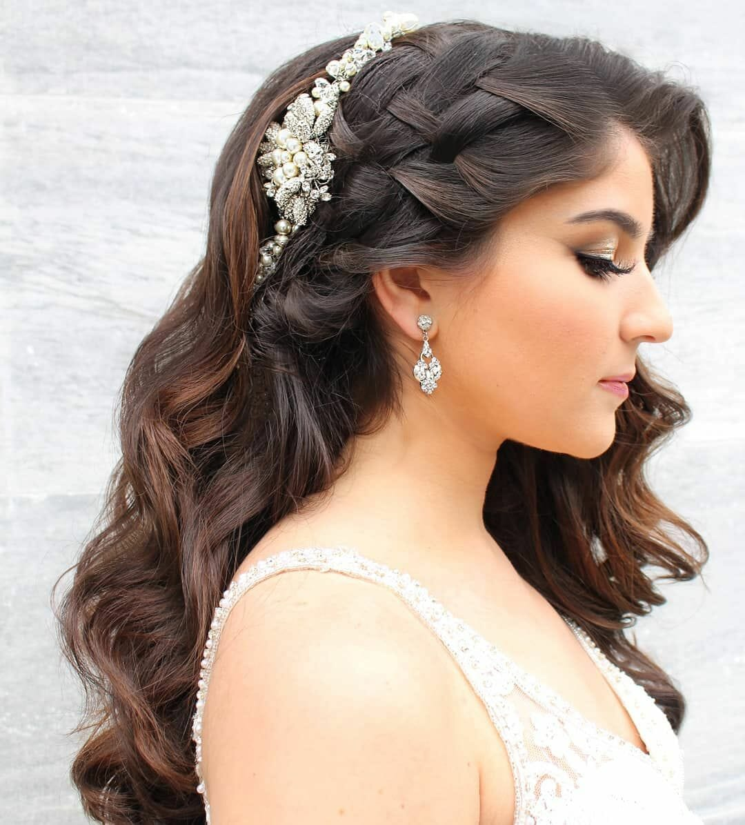 Side Twist Women Hairstyles For Long Hairs