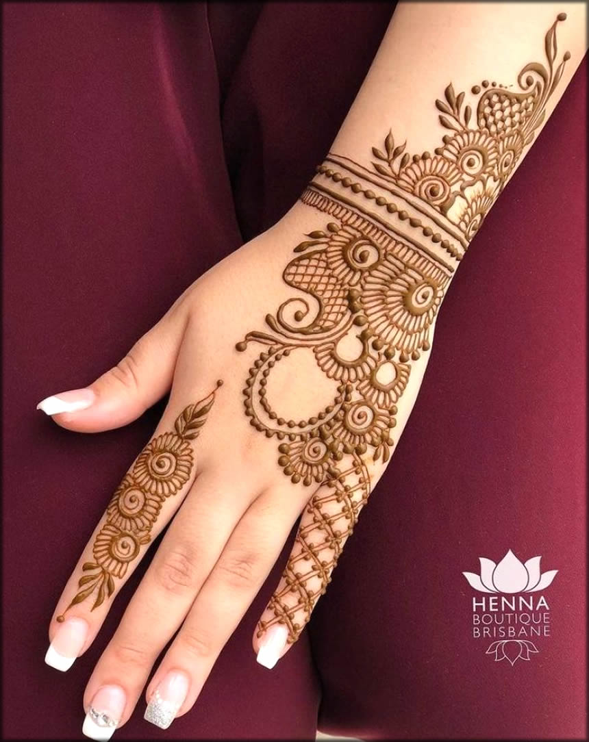 Simple Cut Mehndi Designs