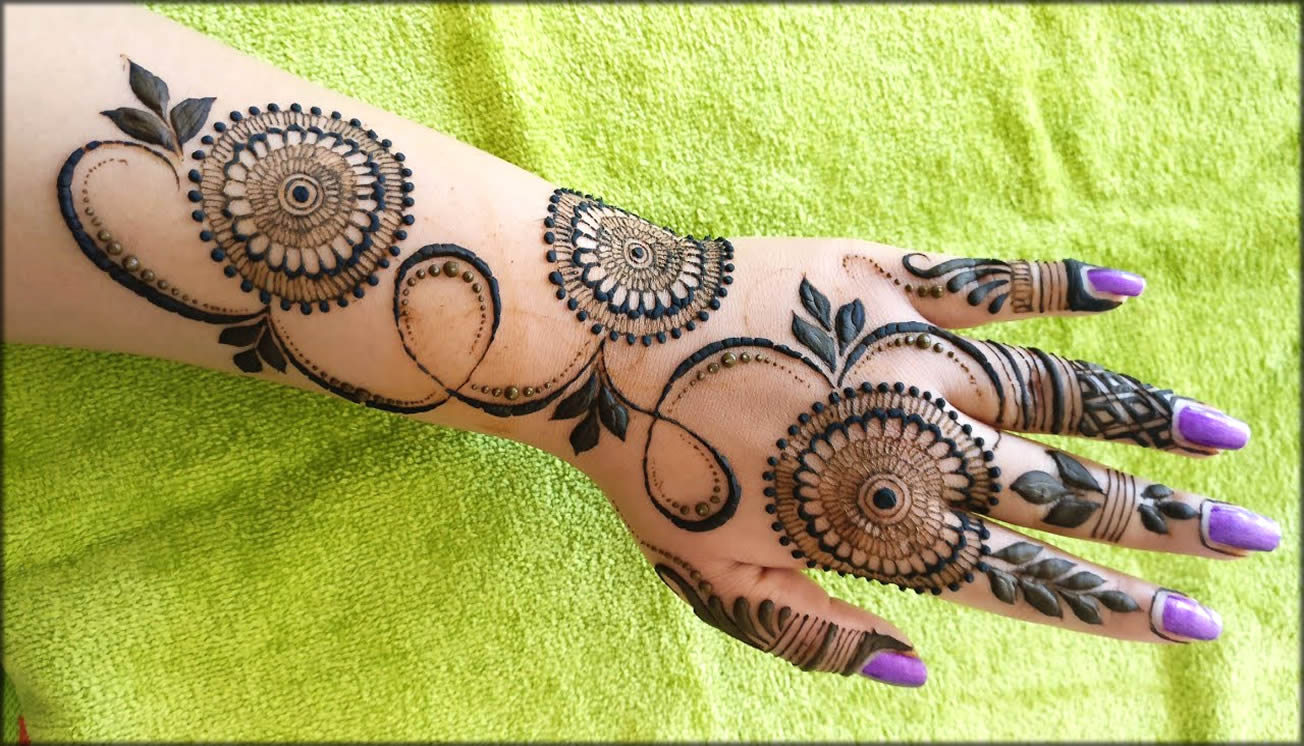 Special And Easy Mehndi Designs