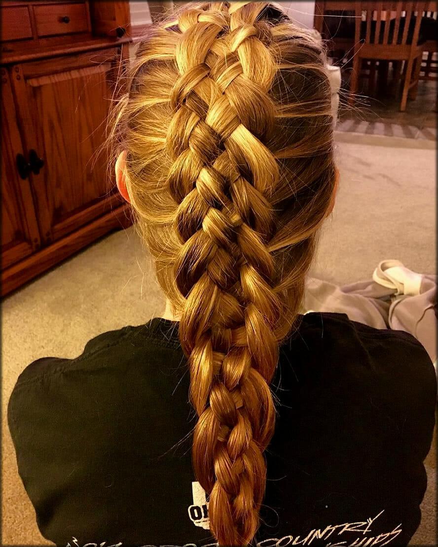 Stylish Braid Women Hairstyles For Long Hairs
