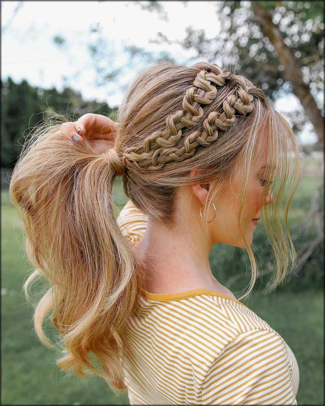 Stylish Ponytail Women Hairstyles For Long Hairs