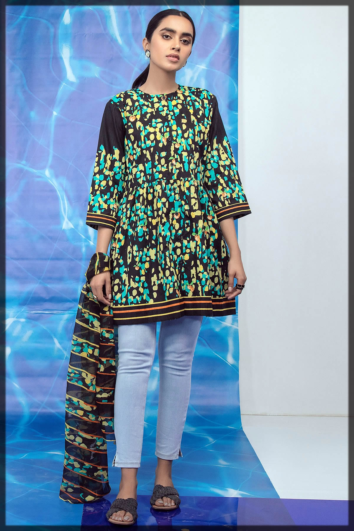2 Piece Printed Suit With Dyed Cambric Trouser