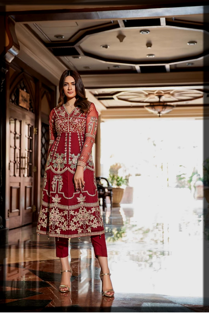 Embroidered organza suit for summer weddings
