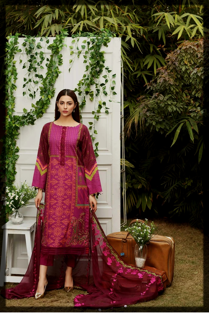 classy charizma summer lawn suit for teens