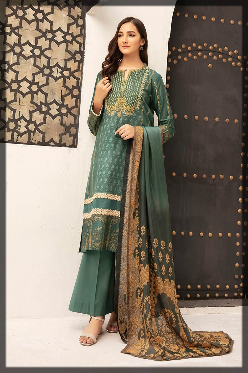 green summer lawn suit