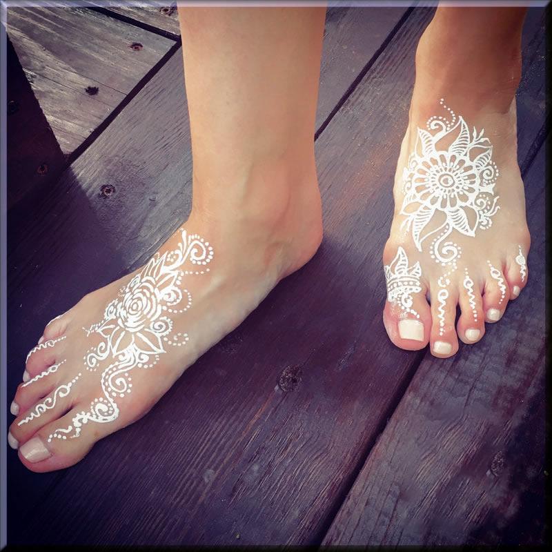 stylish white mehndi designs