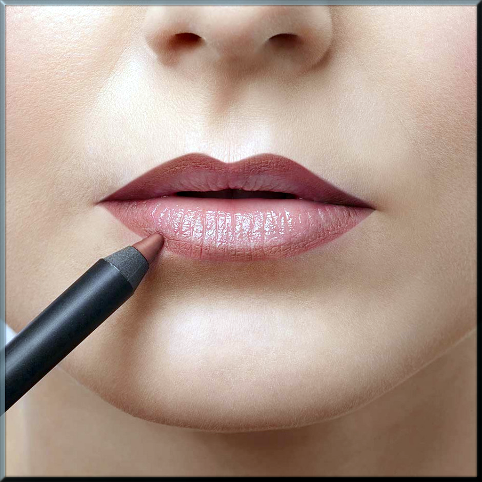 Apply First Layer Lipstick on lips