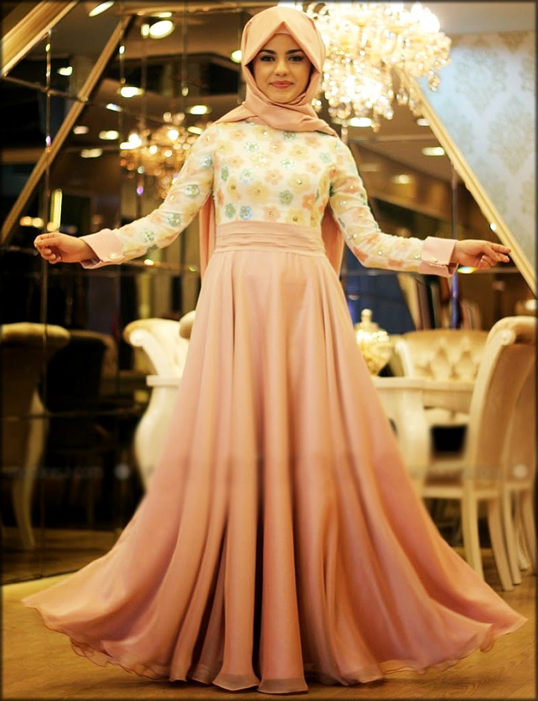 Elegant Party Wear Gown For Ladies