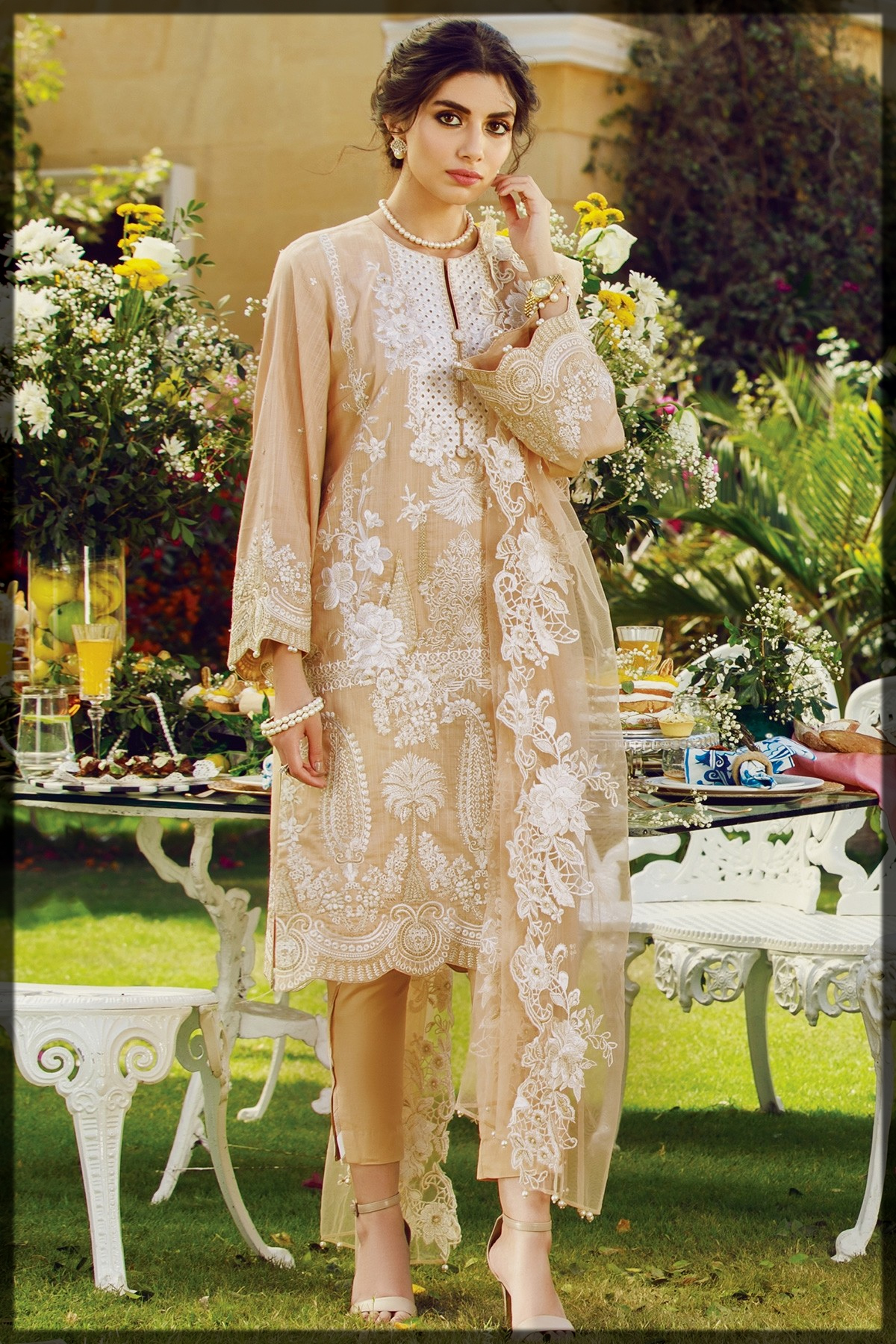 Embroidered Slub Lawn Suit With Embroidered Net Dupatta