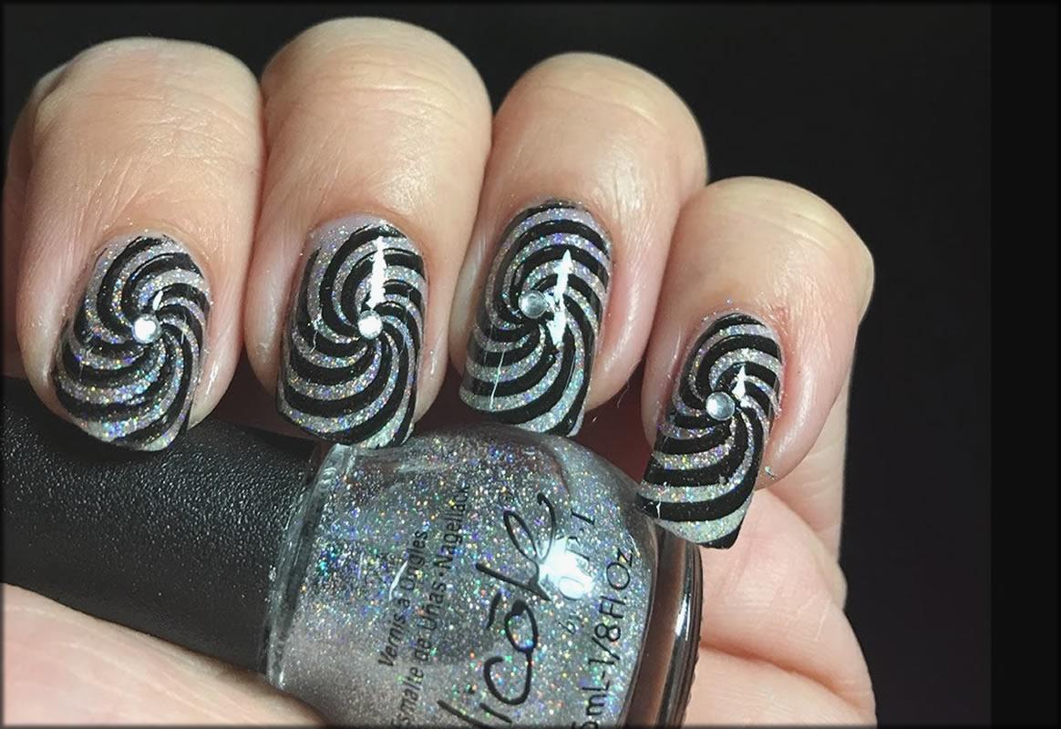 Make Optical Illusion Nail Art