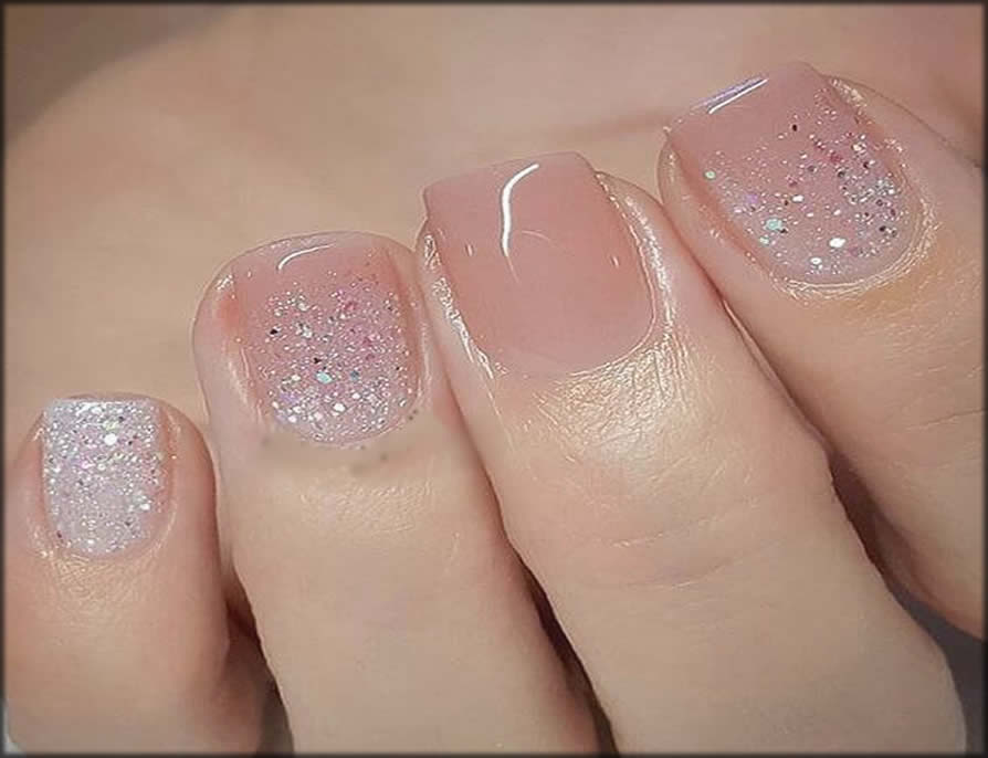 Simple Nail Paint With Glitter