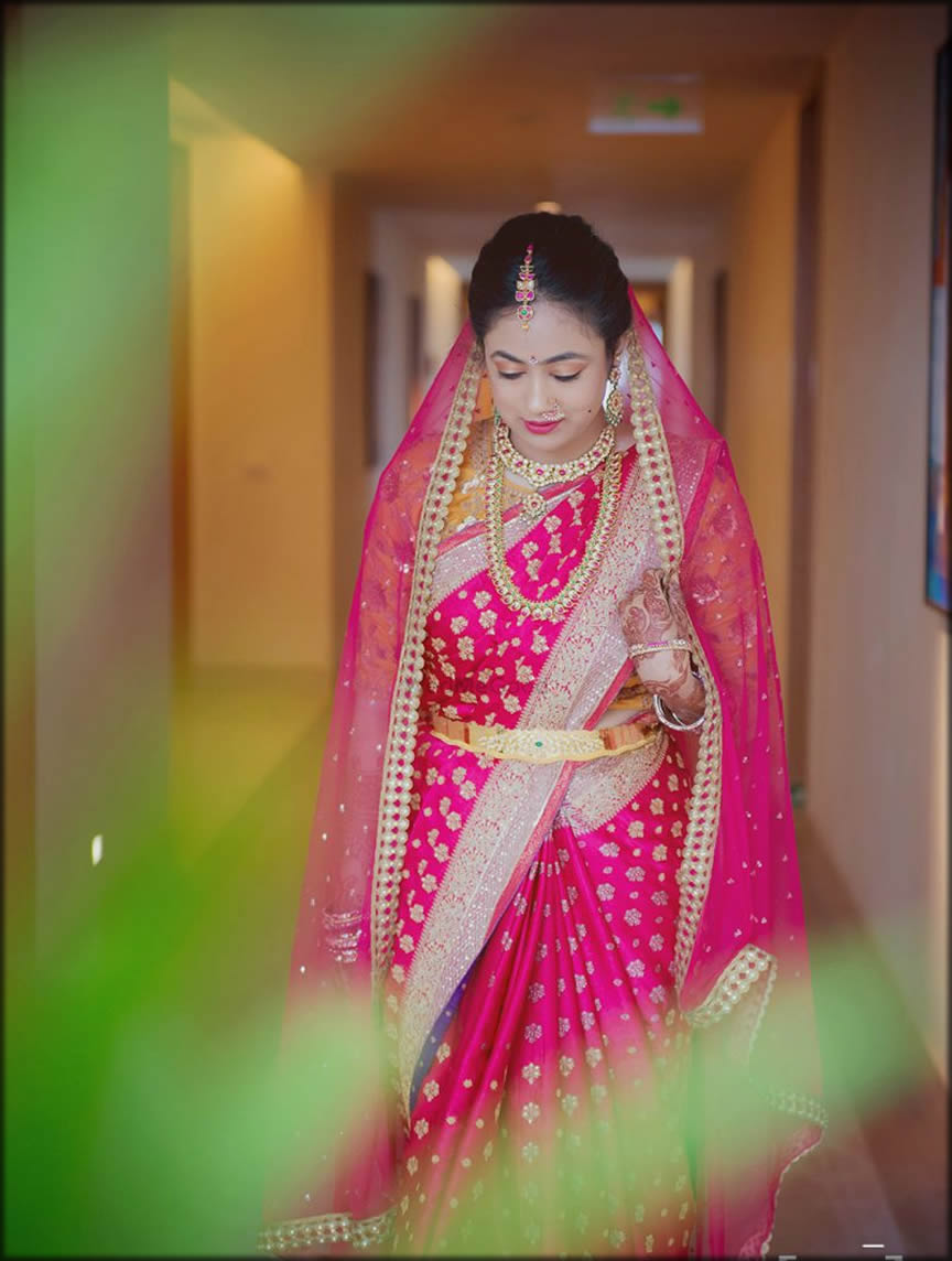 South Indian bride with Kamar bandh Style Dupatta Setting