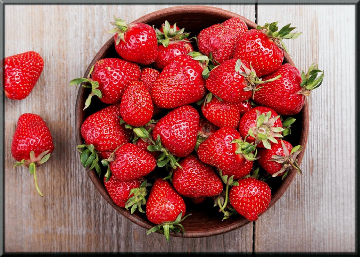 Strawberry home remedies for blackheads-min