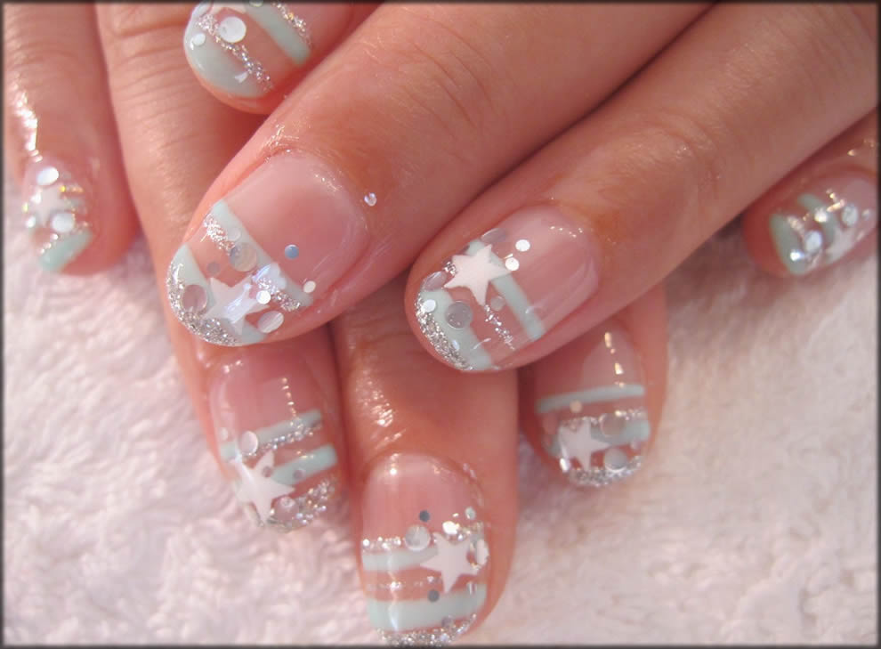 Stripes And Star Art For Your Nails