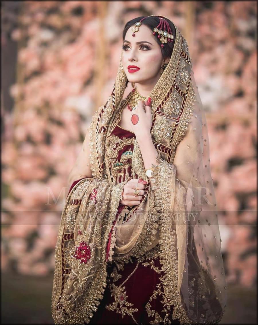 Bridal Dupatta Setting Styles Adjustment Like Nimra