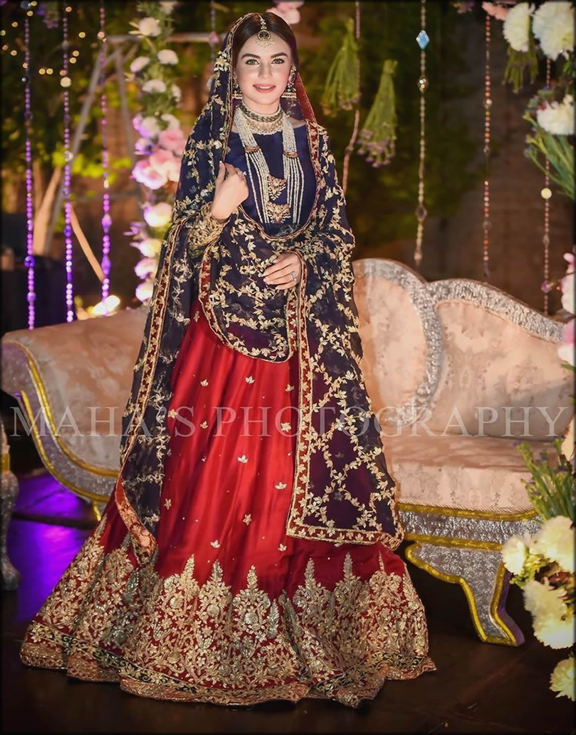Traditionally Best Way To Carry Bridal Dupatta Setting Styles