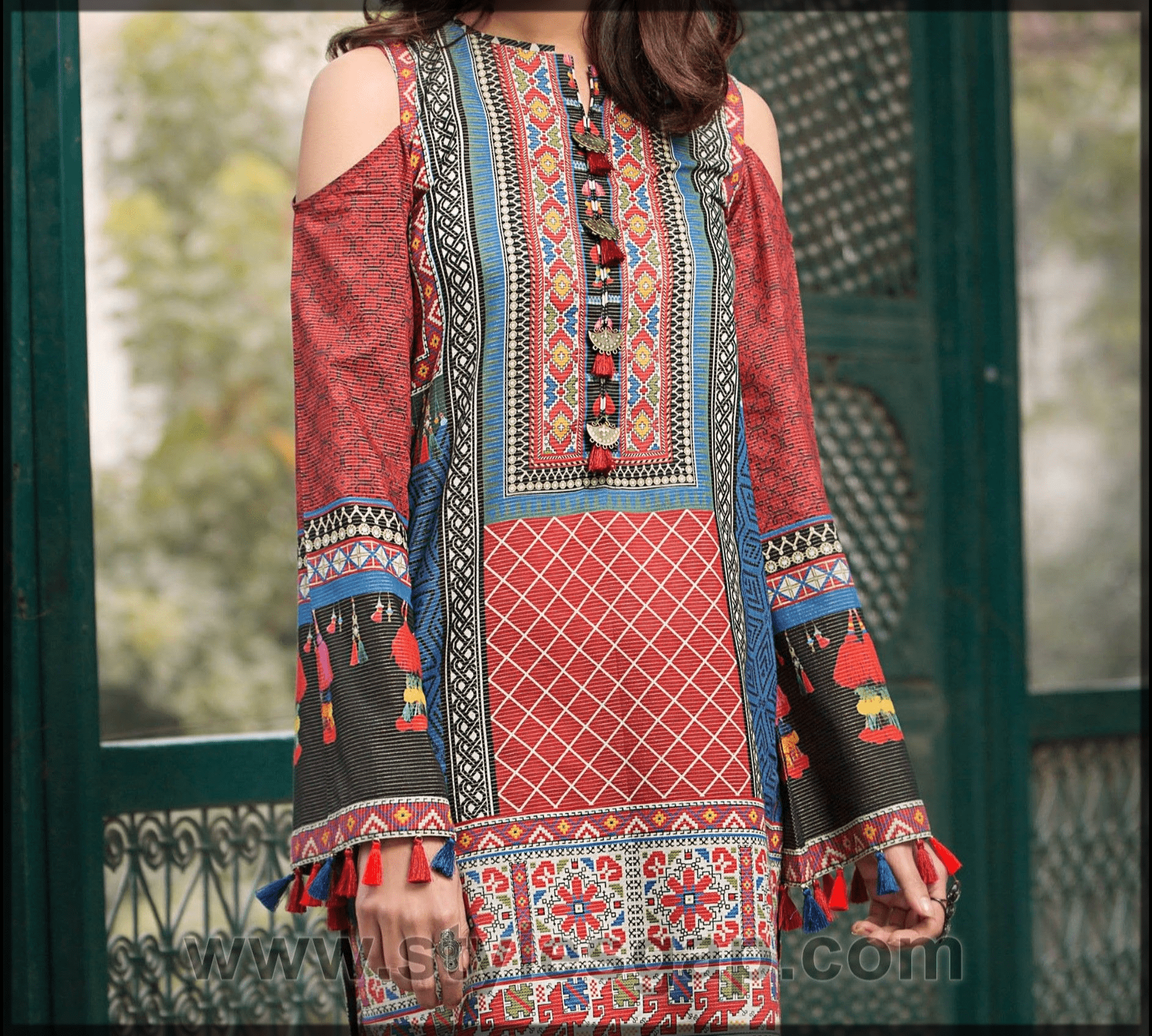 alluring Lawn Dresses Stitching Designs for women
