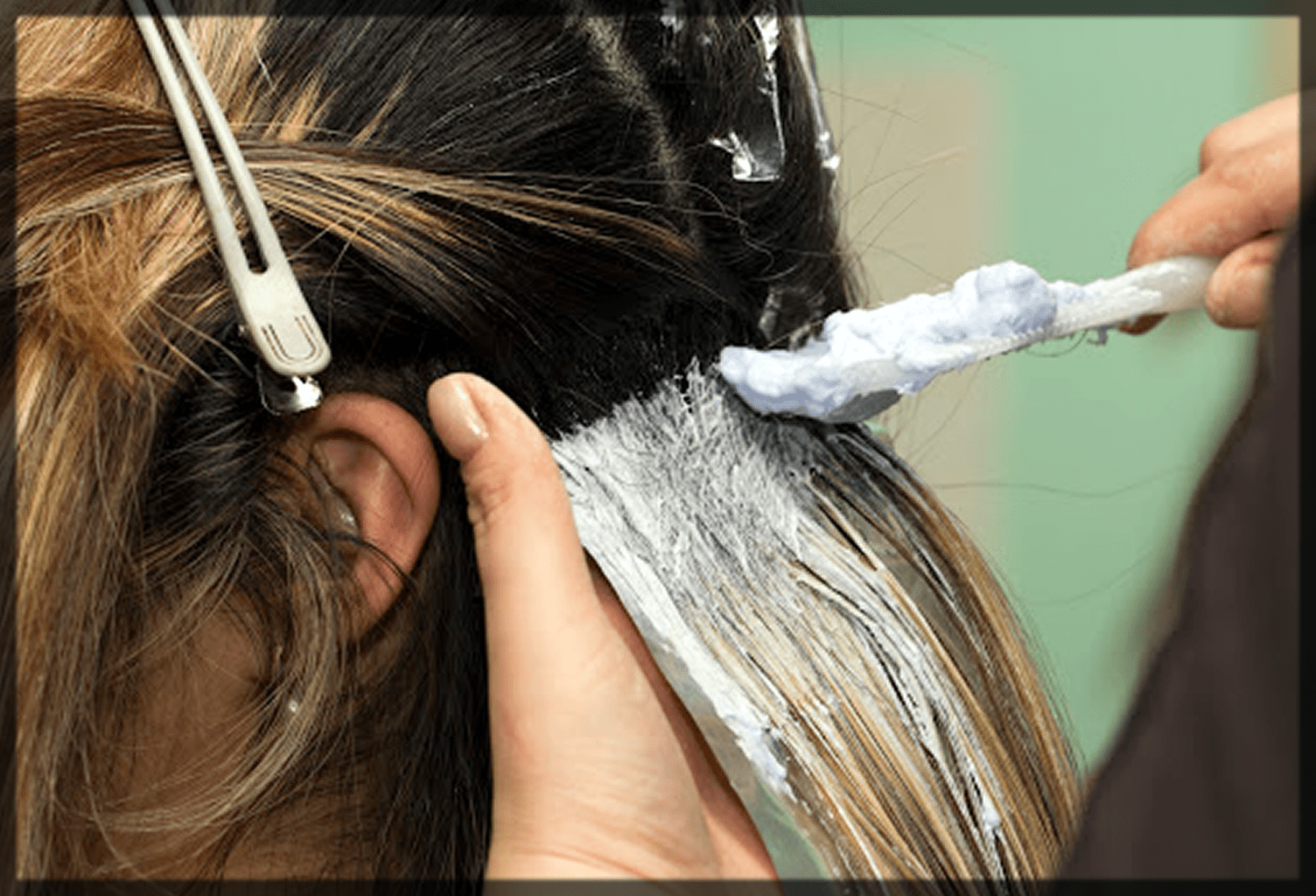 apply the colour on hairs as a test